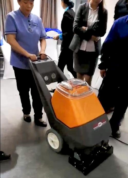 广东云浮**酒店采购地毯抽洗机、吸尘机案例